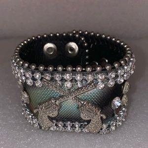 Bracelet two gun bling